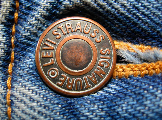 Nasce il jeans in plastica riciclata: la rivoluzione si chiama Levi's