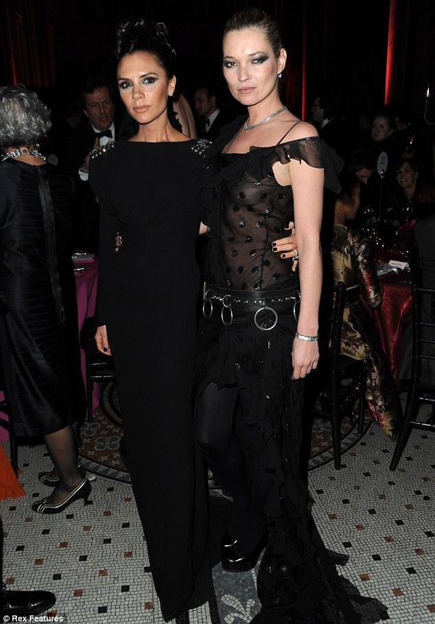 e845be2ca0d6 Kate Moss inarrestabile  ora anche fashion editor per Vogue Uk ...