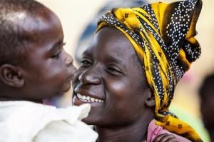 OVS per Cesvi: insieme per la campagna 'Fermiamo l'Aids sul nascere'