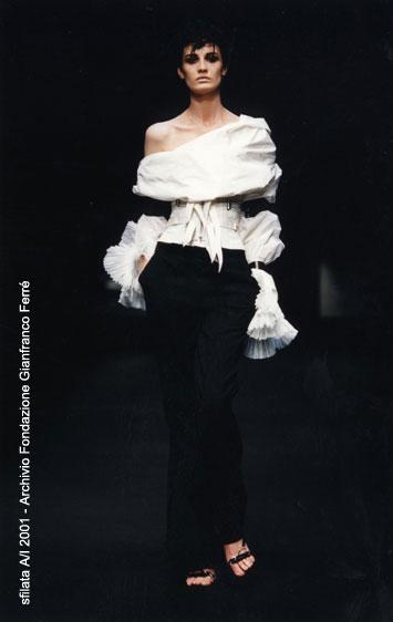 pretty nice d8435 a4fed La camicia bianca secondo Ferrè   TrendsToday