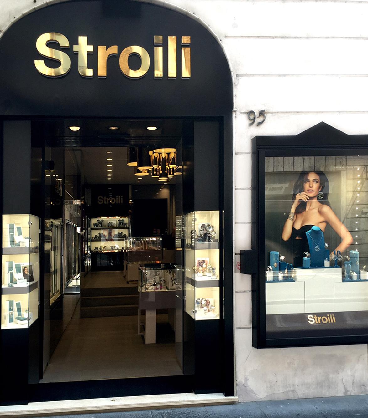 Stroili apre un nuovo flagship store a roma special guest for Corner via del corso roma