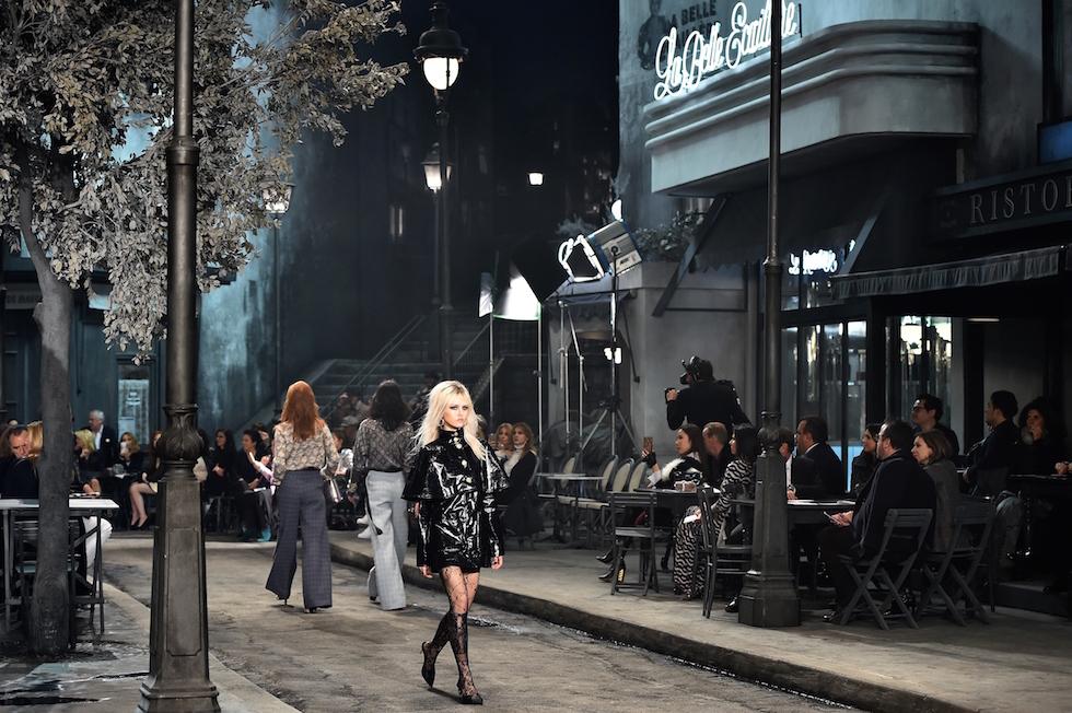 La sfilata di Chanel a Roma, per la collezione Métiers d'art  1 dicembre 2015 (GABRIEL BOUYS/AFP/Getty Images)