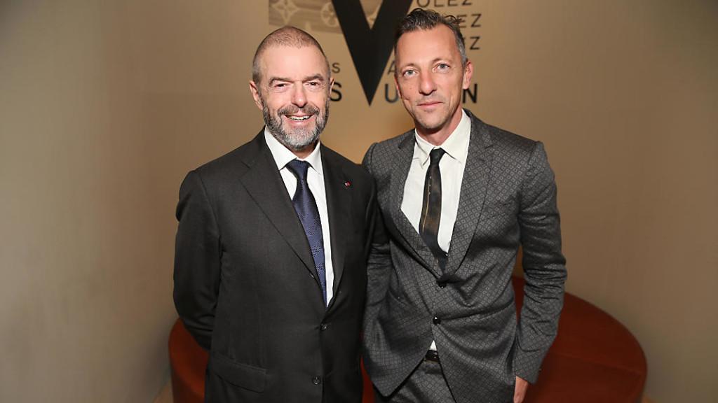 A sinistra Olivier Saillard curatore della mostra Ph. sito ufficiale LV