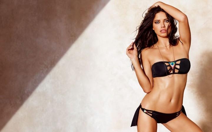 "Adriana Lima, ""bikini body"" per Calzedonia"