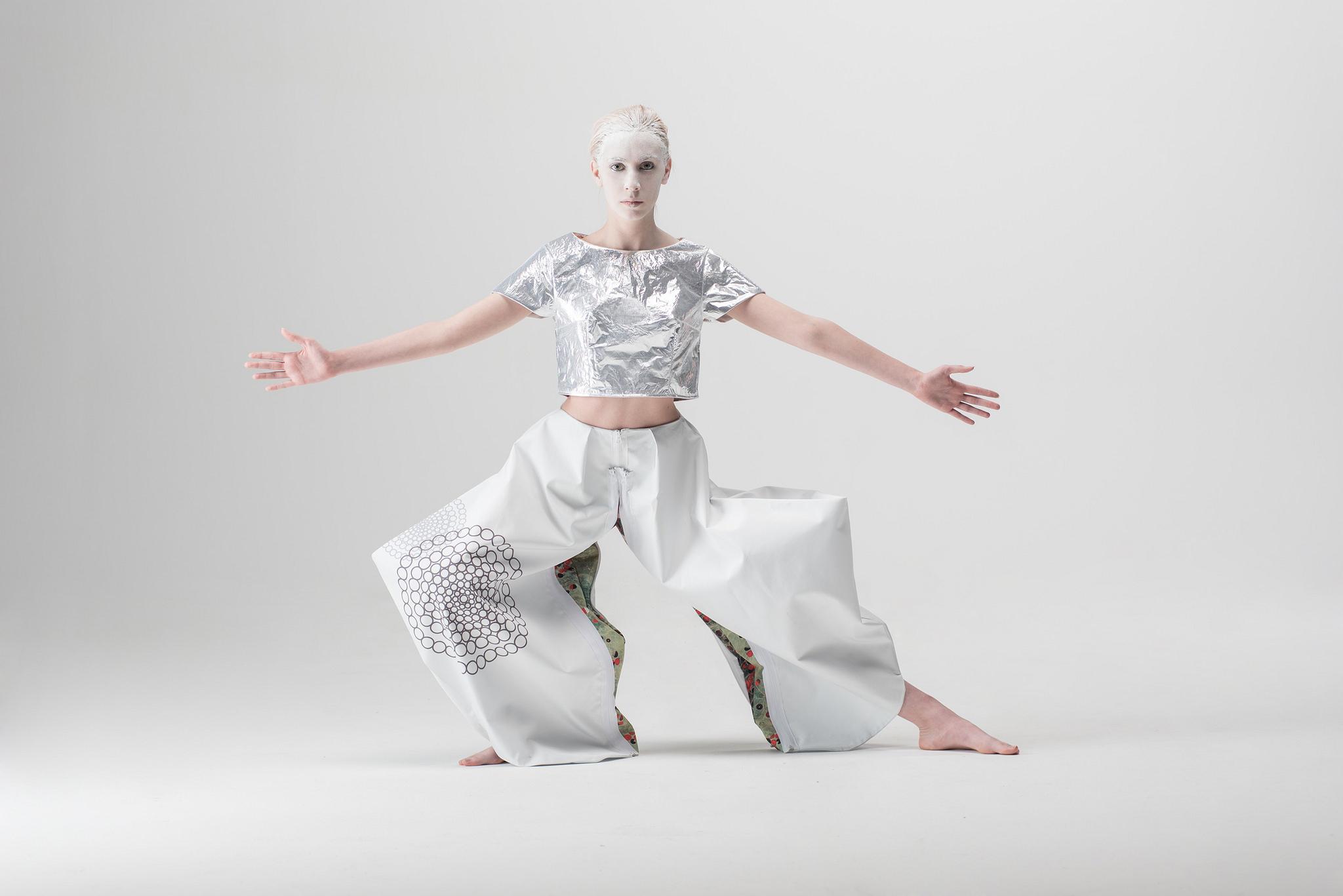 promo code 46ff0 7c8e9 Fashion in Orbit. La moda arriva nello spazio | TrendsToday