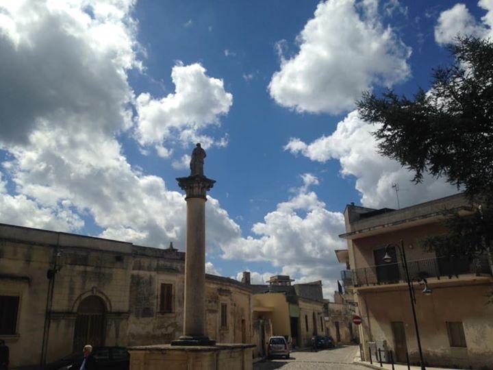 Zollino, Colonna votiva di San Pietro
